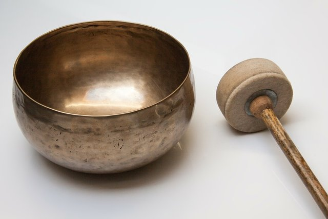 Singing bowl massage - Medicinal Massage in Stockport, Buxton, Whaley Bridge, High Peak - Ela Pekalska